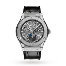Hublot Classic Fusion Aerofusion Mens Titanium 45mm Moonphase Dial Automatic Watch