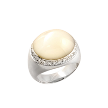 Di Modolo Tempia 18ct White Gold Mother of Pearl and 0.68cttw Diamond Ring - Ring Size L